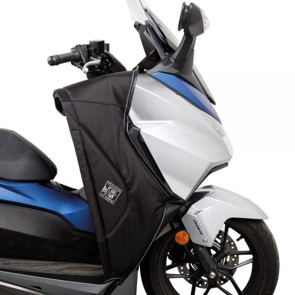 Tucano Urbano Leg Cover Termoscud® Pro Black for Honda - opened